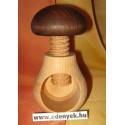 Diótörő gomba alakú fából 126 KC