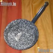 Zománcozott fémnyelű szeletsütő 22 cm KP-22/3-TFA